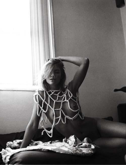 Elyse-Taylor-Nude-4