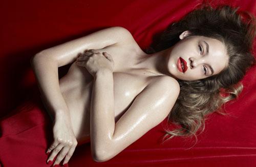 Barbara-Palvin-topless-4