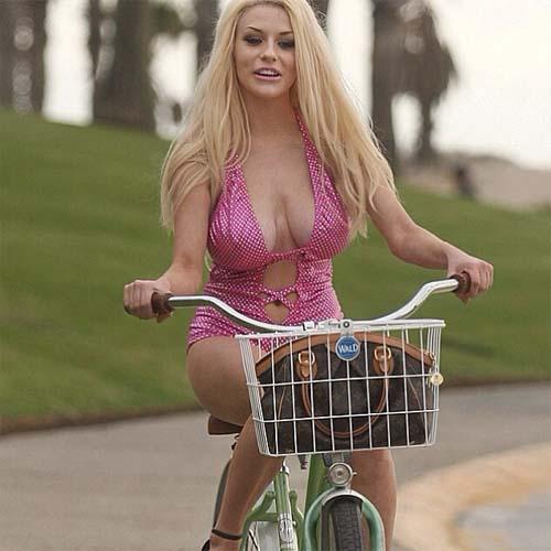 Courtney_Stodden_Rides_Bike_1