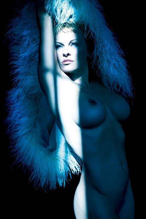 Pamela-Anderson-Purple-3