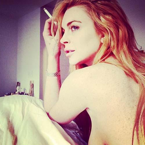 Lindsay Lohan Topless Selfie