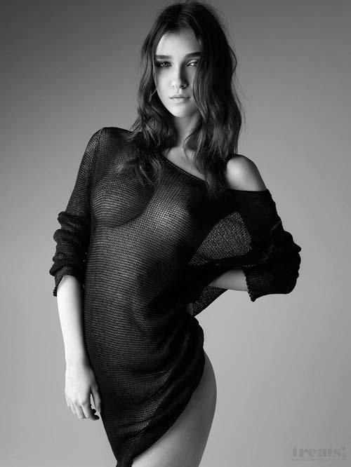 Paula-Bulczynska-topless-03