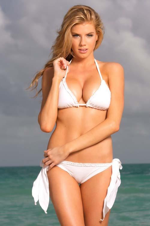 charlotte-mckinney-bikini-01