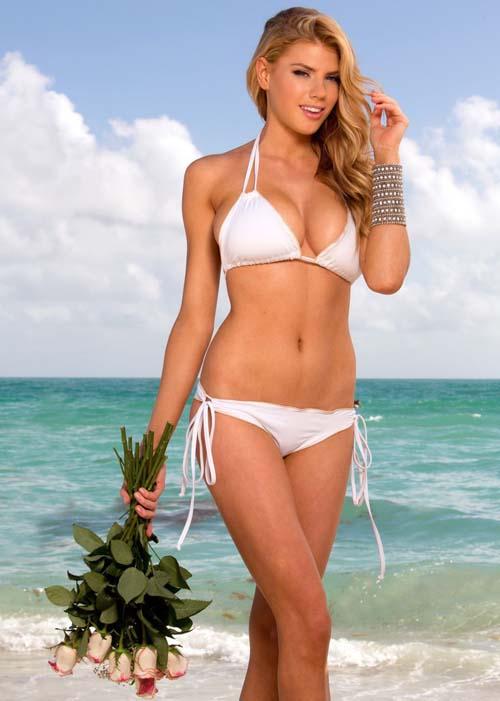 charlotte-mckinney-bikini-02