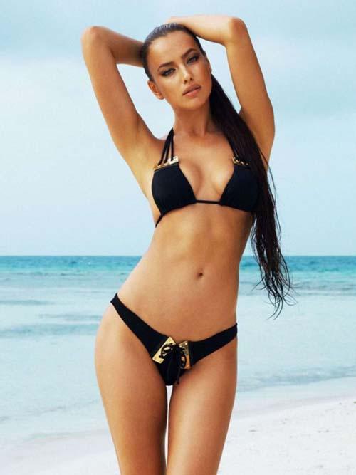 Irina-Shayk-Selfie-Swimsuit5