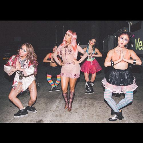 Nicki-Minaj-Pink-Wig-3