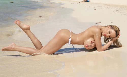 Jordan Carver nude beach