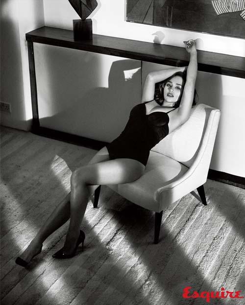 emilia-clarke-esquire-sexiest-woman-alive-03