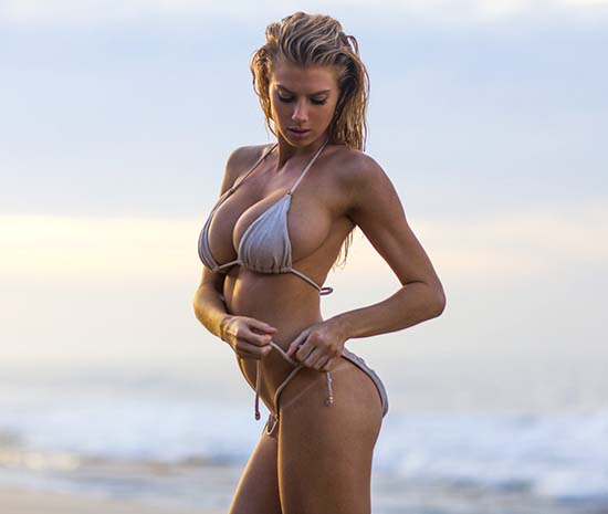 Charlotte-McKinney-naked-2