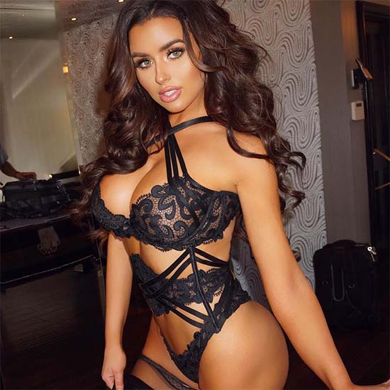 Abigail Ratchford boobs