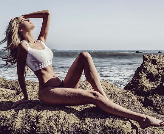 Emma Hernan nude