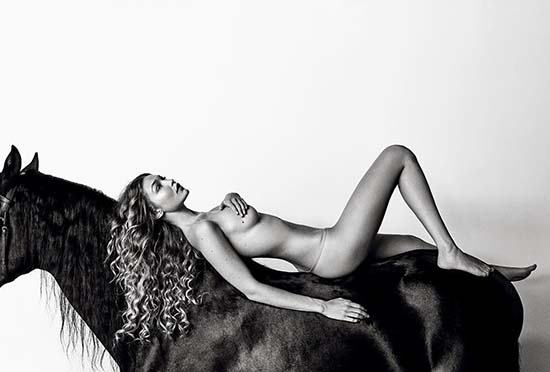 gigi-hadid-nude-on-a-horse