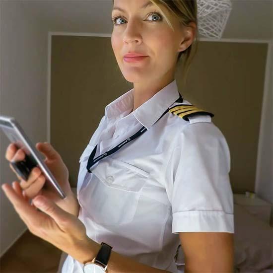 Hottest Airline Pilot