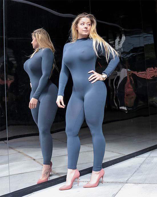 Fitness Model Mia Sand
