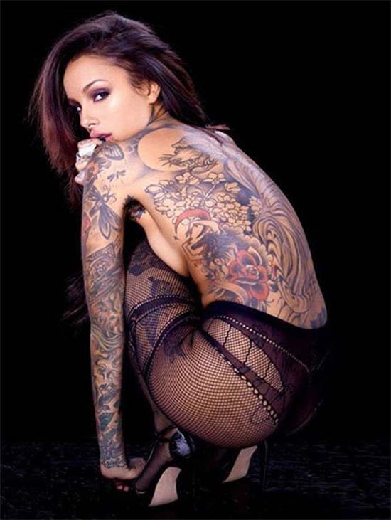 beautiful girls with tattoos
