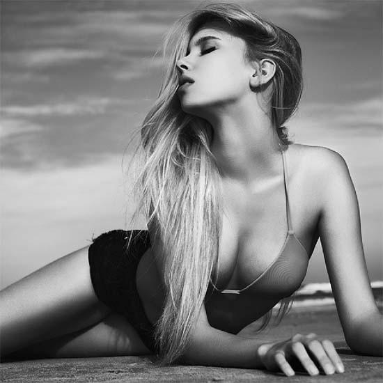 Israeli model Maria Miri Domark