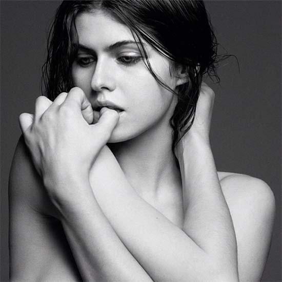 Alexandra Daddario naked