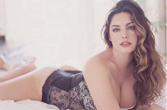Kelly Brook Naughty Lingerie