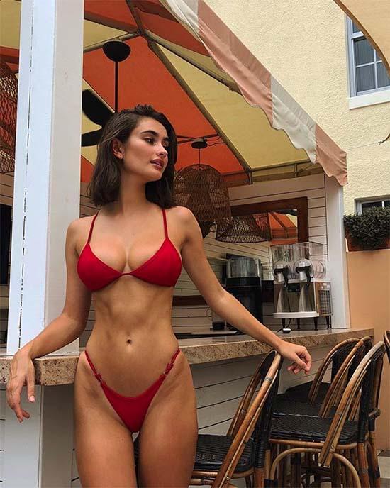 Daniella Filer