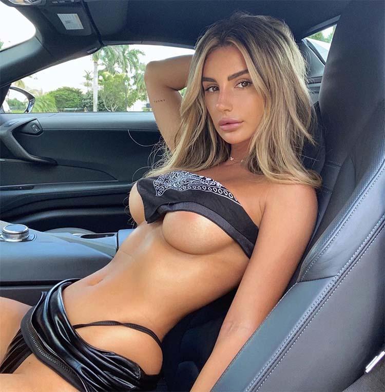 Bianca Ghezzi underboob
